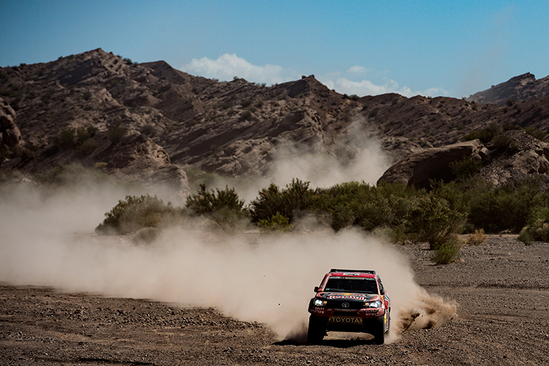 Giniel De Villiers (ZAF) of Toyota Gazoo Racing SA races during stage 10 of Rally Dakar 2017 from Chilecito to San Juan, Argentina on January 12, 2017 // Marcelo Maragni/Red Bull Content Pool // P-20170112-00524 // Usage for editorial use only // Please go to www.redbullcontentpool.com for further information. //