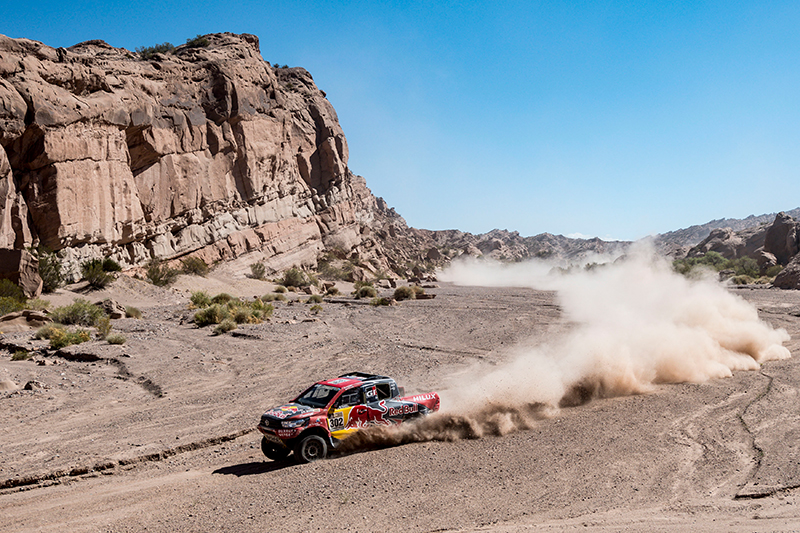 Giniel De Villiers (ZAF) of Toyota Gazoo Racing SA races during stage 10 of Rally Dakar 2017 from Chilecito to San Juan, Argentina on January 12, 2017 // Marcelo Maragni/Red Bull Content Pool // P-20170112-00528 // Usage for editorial use only // Please go to www.redbullcontentpool.com for further information. //
